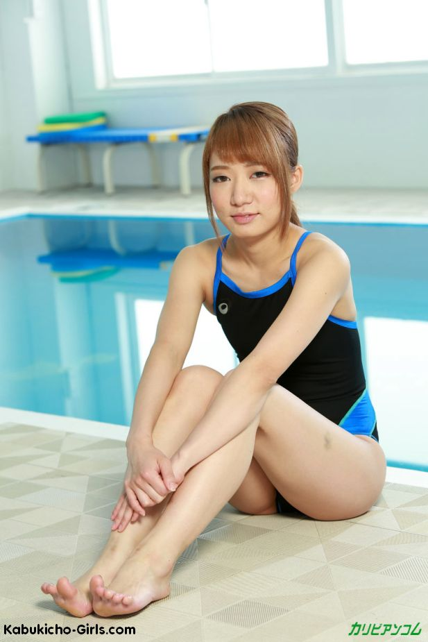 in pool grouped Asian
